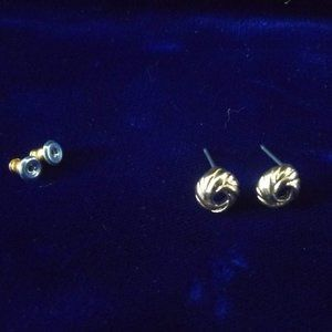 FREE Gift with purchase 💝 Golden stud earrings